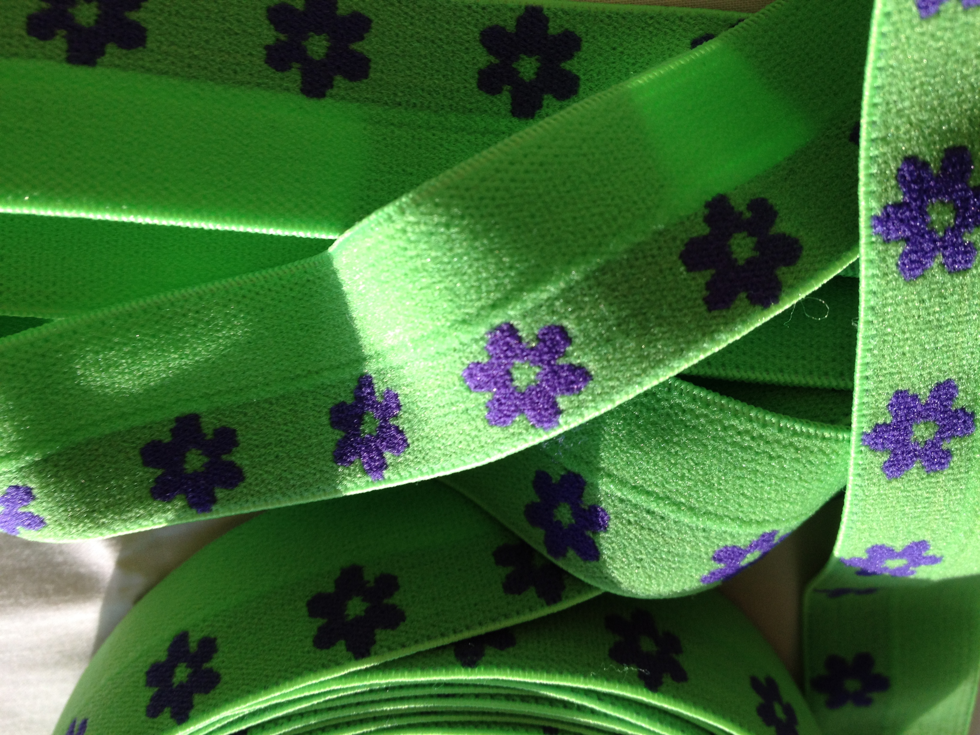 "1"" FOE Lime/Purple Flowers"