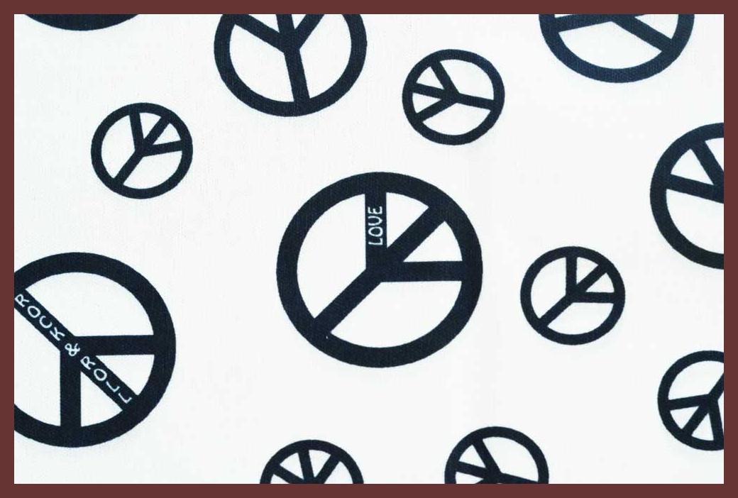 """Peace LOVE & Rock n Roll 20""""X21"""""""